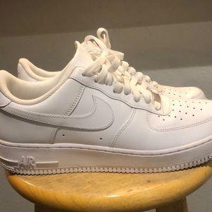 Nike Airforces (ALLWHITE) 9 1/2 in MEN